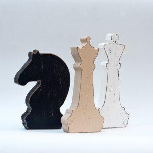 שחמט מעץ דקורטיבי