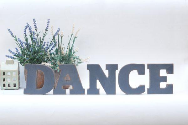 אותיות מעץ DANCE