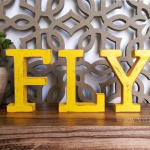 אותיות מעץ FLY