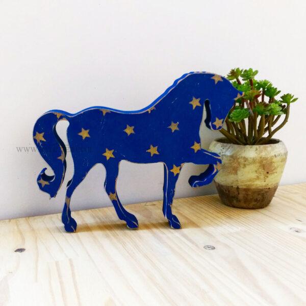 סוס עץ מעוצב